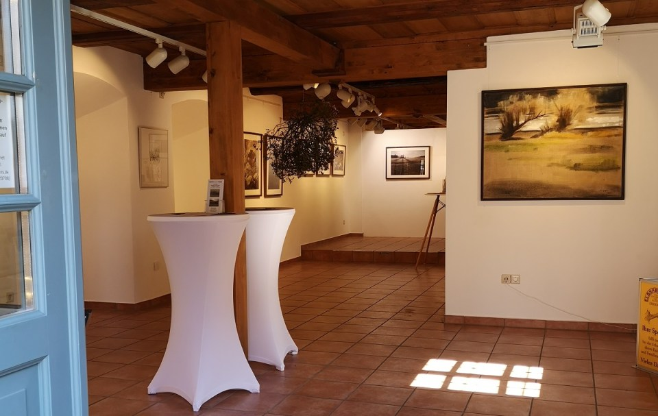 Blick in die Ausstellung Rita Geißler und Mimi Wilden (KunstGalerieHans 2020)