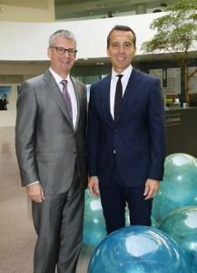 Das Innovation Headquarters ist das innovative Herz des international agierenden Konzerns Borelis: CEO Mark Garrett und Bundeskanzler Christian Kern. |  Foto: Borealis
