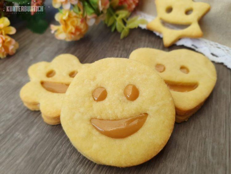 Smiley Kekse Mürbteig Füllung Karamell