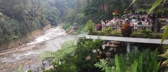 Restoran Cimory Riverside, Cisarua, Bogor (stock)