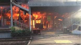 Kebakaran yang melanda Stasiun KRL Klender, Jatinegara (dok.KM)