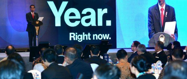 Presiden Joko Widodo memberikan sambutan di acara Bloomberg: The Year Ahead Asia Summit 2017 yang digelar di Hotel Ritz Carlton Mega Kuningan, Jakarta, 6/12/2017 (dok. Setpres)