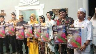 Ketua Umum Ormas BBRP Atma Wirya bersama para Raja, Sultan dan para tamu undangan lain si acara Laka Sunda Mapag Tahun, 19/8/2018 (dok. KM)