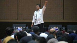 """Menteri Komunikasi dan Informatika Rudiantara memberikan pemaparan dalam kuliah umum bertema """"Mempersiapkan SDM Indonesia Menapaki Revolusi Industri 4.0 di Universitas Negeri Padang, Sumatera Barat, Kamis 11/04/2019."""