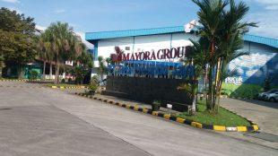 Pabrik PT. Tirta Fresindo Jaya (Mayora Group) di Caringin, Kabupaten Bogor (stock)