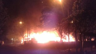 Kebakaran di Jalan Lapangan Multiguna, Bekasi Timur, Kota Bekasi, Kamis malam 18/7/2019 (dok. KM)