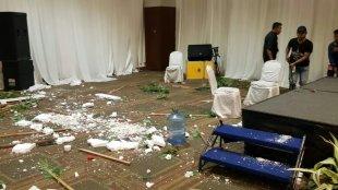 Bekas pengrusakan yang terjadi saat penyelenggaraan Musyawarah Nasional Luar Biasa (Munaslub) MKGR, Kamis pagi (19/9/19) di Hotel Sultan, Jakarta.