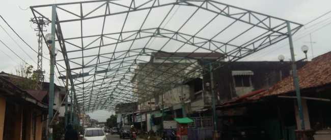 Kondisi kanopi di Pasar Mambo, PAngkalpinang (dok. KM)