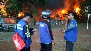 Puluhan gerbong kereta api di Stasiun Cikaum Barat, Subang terbakar (dok. KM)