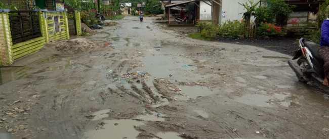 Kondisi jalan di Desa Dimpang Empat, Asahan (dok. KM)