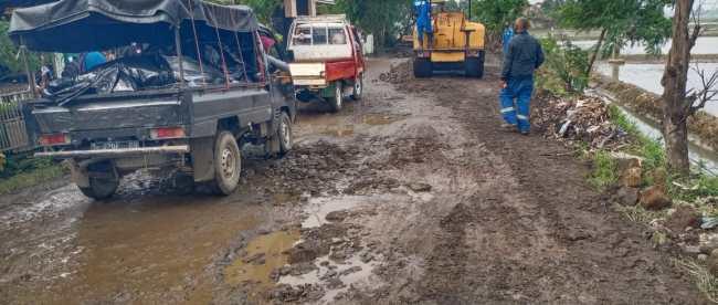 Kondisi jalan Kabupaten Subang di Desa Jatimulya, Kecamatan Compreng (dok. KM)