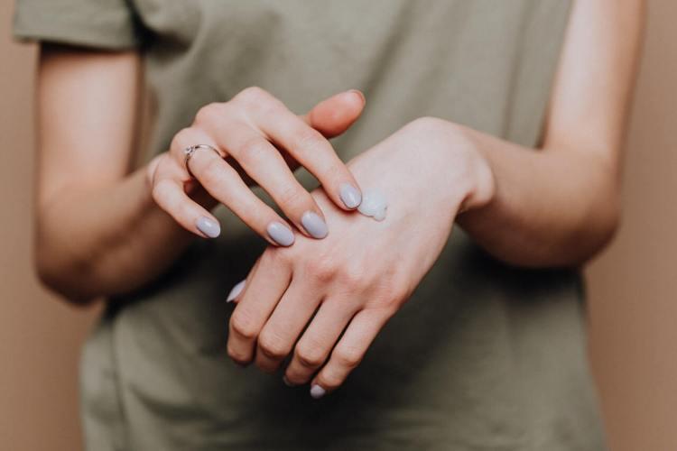 Ako si vypestovať dlhé a pevné nechty?