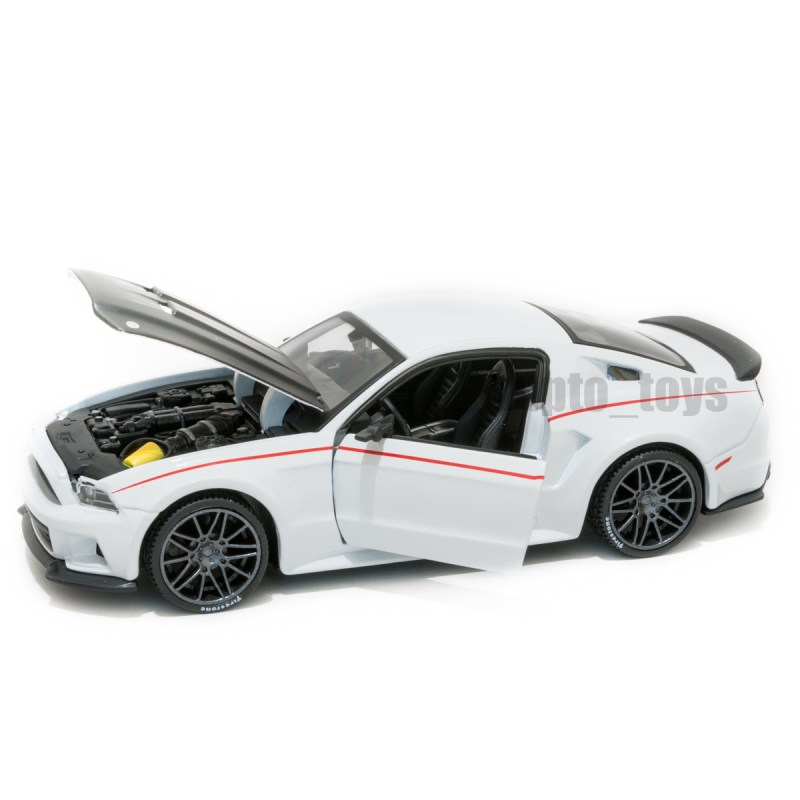 Ford Mustang Street Racer