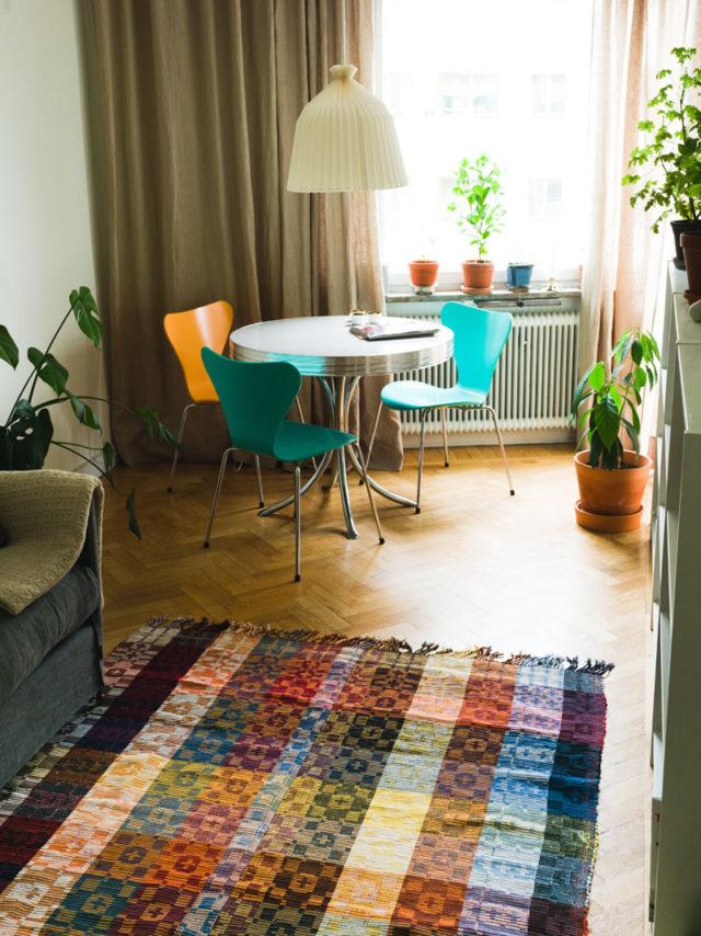 Istället för kelim, handvävd matta av Josefin Gäfvert. (Foto Dennis Liljebäck)
