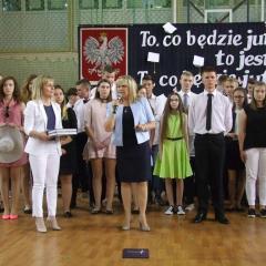 Zakończenie roku szkolnego 2016/2017 okazją do wyróżnienia i nagrodzenia podczas gminnych uroczystości w ZS Nr 3 w Rybienku Leśnym