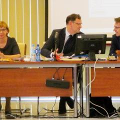 Burmistrz Elżbieta Radwan dobrze zrealizowała budżet. Mimo to uchwała w sprawie absolutorium nie została podjęta!