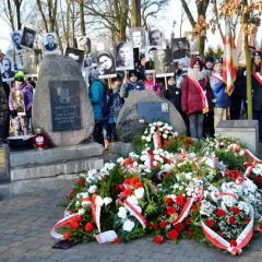 Mieszkańcy Kobyłki, Radzymina i powiatu wołomińskiego oddali hołd Żołnierzom Niezłomnym