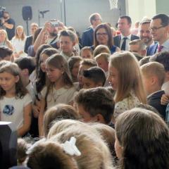 Premier Mateusz Morawiecki na uroczystości zakończenia roku szkolnego w Ząbkach!