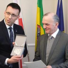 """Stanisław Szabłowski uhonorowany """"Medalem 100-lecia Odzyskania Niepodległości"""" za działalność społeczną i samorządową"""