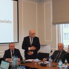 Radni uchwalili budżet powiatu ostrowskiego na 2019 r.
