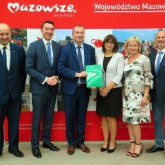 Uroczyste podpisanie umów na dofinansowanie gmin powiatu legionowskiego odbyło się w Wieliszewie