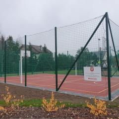 Nowe, bezpieczne boisko w parku osiedlowym