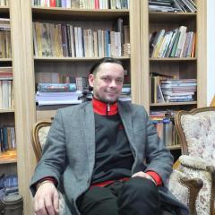 Dyrektor MiGOK Artur Lis – fenomen artystyczny, menadżerski i społeczny