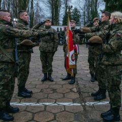 """""""…służyć wiernie Rzeczpospolitej Polskiej…"""" – 94 nowych Terytorialsów"""