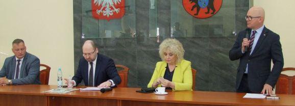 Samorządowcy rozmawiali o finansach z UE, Funduszu Odbudowy i podziale Mazowsza…