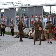 Uroczystości związane z nadaniem placowi przy Dworcu PKP w Łochowie imienia Marszałka Józefa Piłsudskiego w 101. rocznicę jego wizyty w sztabie generalnym IV Armii w Łochowie