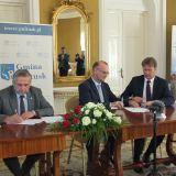 """Podpisano porozumienie o współpracy pomiędzy Stowarzyszeniem """"Wspólnota Polska"""" a Gminą Pułtusk"""