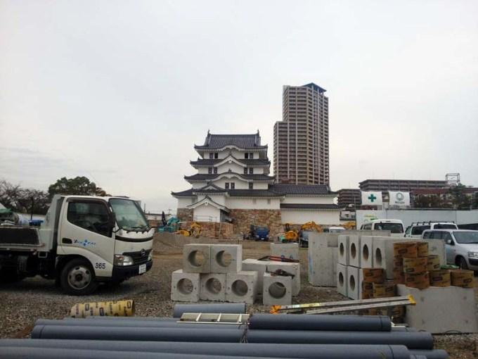 建設中の尼崎城20181004