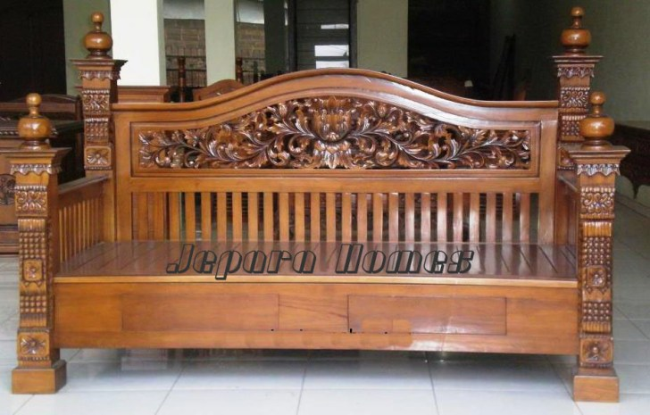 Daybed Rahwana Jati Jepara,Bale bale Daybed Rahwana Jati Jepara,Daybed Ukir,Daybed Klasik,Bale Bale Ukir,Bale Bale Klasik