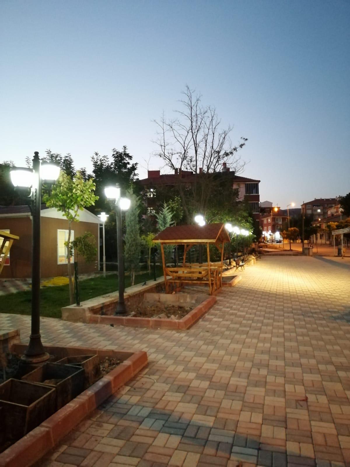 Şehit Aydın Çopur Parkının Yapımı ile Yöresel Ürünler Pazarının Büyütülerek Yeniden Düzenlenmesi