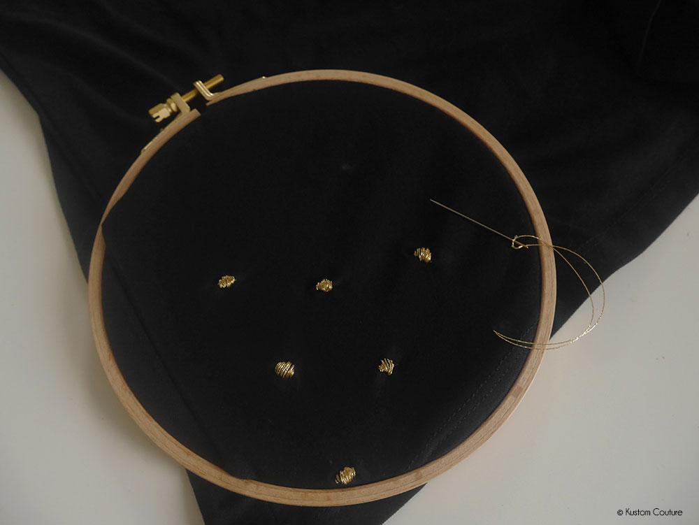 Customiser une jupe basique noire avec de la broderie   Kustom Couture