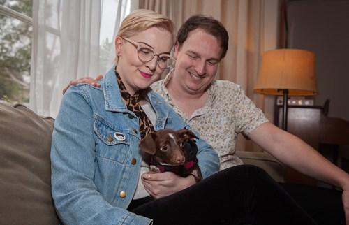 Cletus, a sérült kutya új otthonában (thedodo.com)