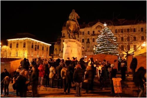 Pécs, Széchenyi tér - Gyertyagyújtás az állatkínzás áldozataiért (Fotó: Sági Tamás)