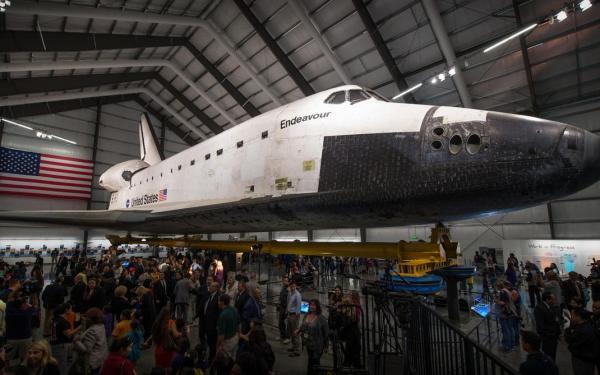 De space shuttle Endeavour