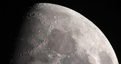water op de Maan?