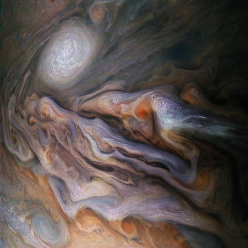 Juno fotografeert de wolken van Jupiter
