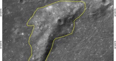 Mons Tai op de verre zijde van de Maan
