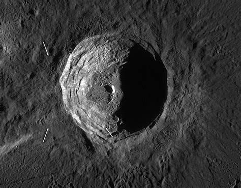 De krater Aristarchus op de Maan.
