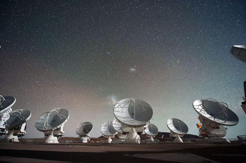 De Atacama Large Millimeter/submillimeter Array van de ESO in Chili.