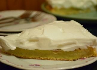 Jednostavan prevrnuti kolač sa jabukama