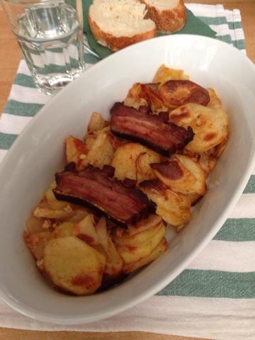 Pekarski pečeni krompir sa slaninom iz rerne