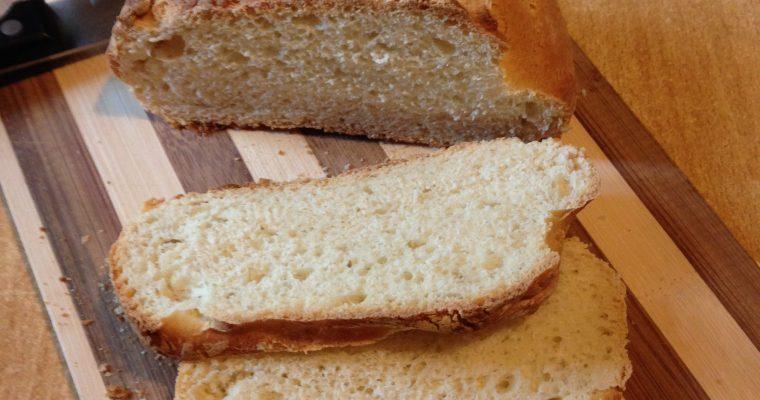 Mali domaći hleb-spolja hrskav, a iznutra mekan