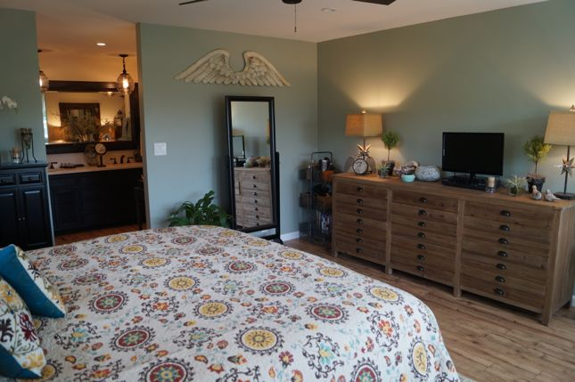 Kuzak's Closet Master Bedroom Makeover