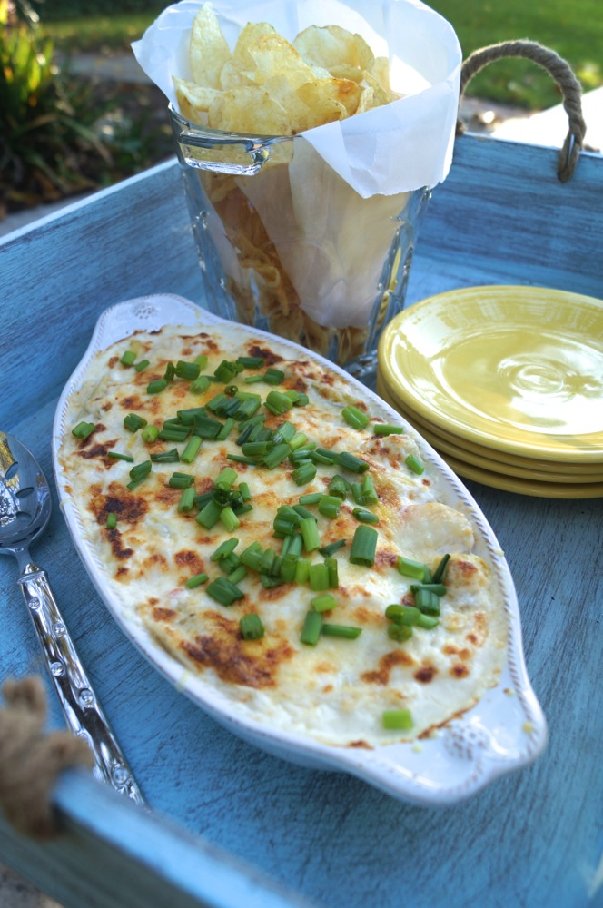 Elegant and Savory Crab & Artichoke Dip