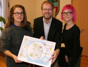 Künstlerin Käthe (li.) Schönle stellt gemeinsam mit KV15.WIEN-Obmann und Bezirksvorsteher-Stv. Merja Biedermann ihre Arbeit für den 15. Bezirk vor.