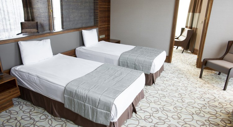 Room Hotel Comfortable Bed Pillow
